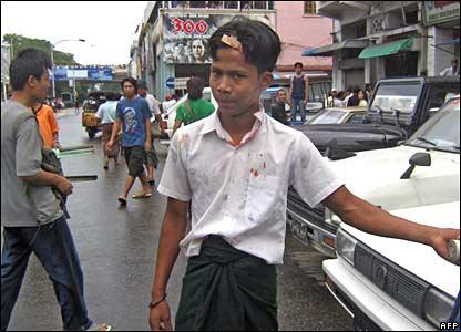 """國際社會呼吁各方克制,美國已經實施新的制裁,稱緬甸統治者""""殘忍""""。"""