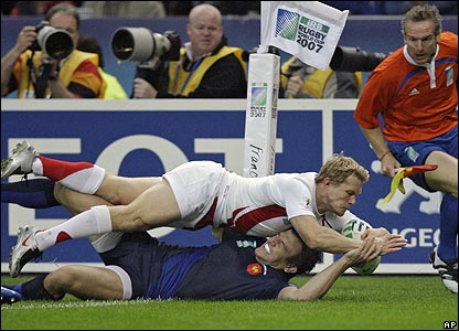 But England got off to a dream start, when Josh Lewsey scored a try after less than two minutes of play...