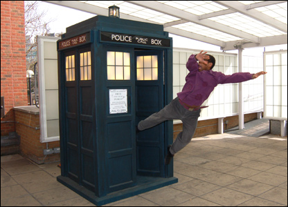 Lizo being thrown out of the Tardis