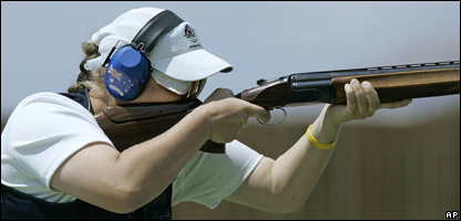 Australia's Suzanne Balough aims during the women's trap finals at the 2004 Olympics Games