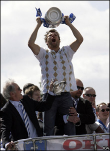 Portsmouth's Hermann Hreidarsson celebrates with the FA Cup