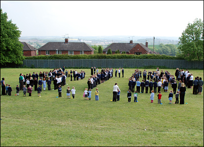 Pupils making a stand at Hollingwood Primary School, in Derbyshire