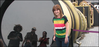 NR's Helen at the Telectroscope