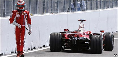 Raikkonen walks away from the crash