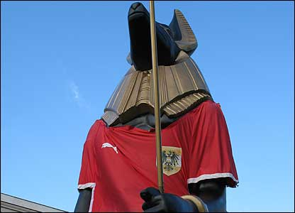 We have no idea why this giant Egyptian statue is wearing an Austria shirt!
