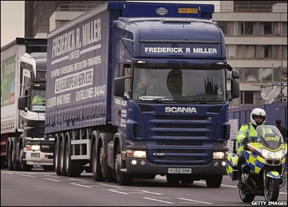 Truck drivers protest on Westminster Bridge in London