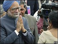 印度總理辛格在科倫坡準備出席南盟峰會(1/8/2008)