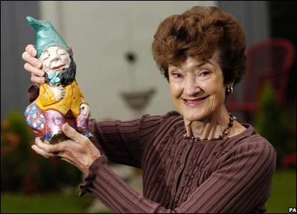Eve Stuart-Kelso with the gnome