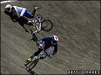 Shanaze Reade crashes out of the BMX final