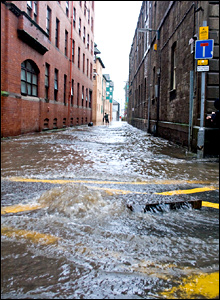 Flooding in Dundee (Photo: Colin & Kai McQuillen)