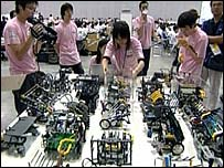 Robots compete in Japan