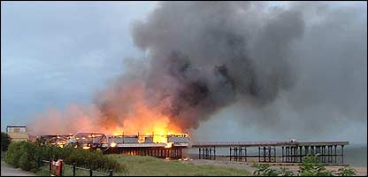 Picture of the pier on fire taken by Ian Blezard