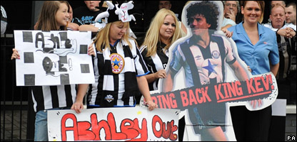 Newcastle fans protesting against Newcastle boss Mike Ashley