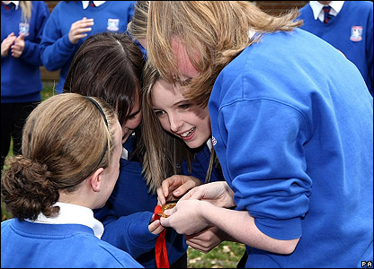 Ellie Simmonds goes back to school