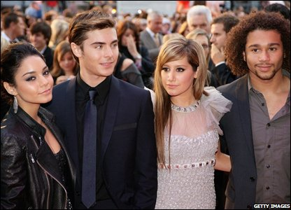 Vanessa Hudgens, Zac Efron, Ashley Tisdale and Corbin Bleu (Photo by Dave Hogan/Getty Images)
