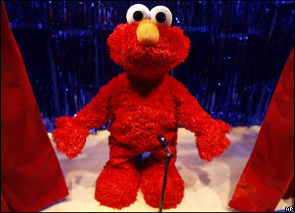 The all-singing all-dancing Elmo Live