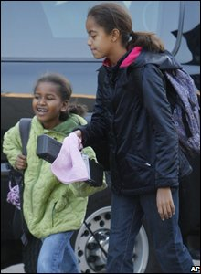 Sasha, 10, and Malia, 7, (AP Photo/Charles Dharapak)