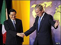 布什欢迎胡锦涛