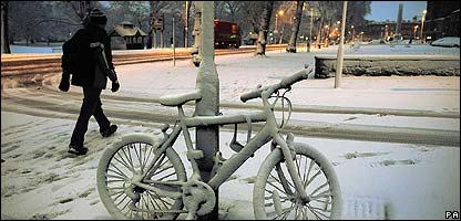 A bike in the snow in Harrogate in Yorkshire