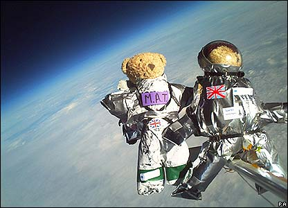 Teddy bears in space