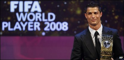 Cristiano Ronaldo with his award
