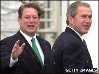 Al Gore and George Bush in 2000 (Photo by TANNEN MAURY/AFP/Getty Images)