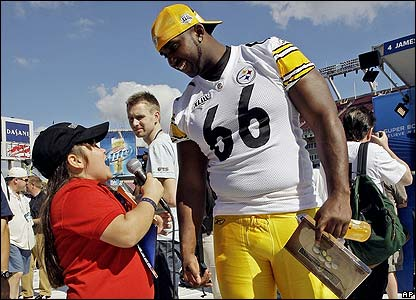 Shelby Fallin interviews Pittsburgh Steelers offensive tackle Tony Hills