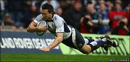 Simon Danielli scores a try for Scotland