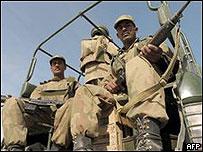 在布納的巴基斯坦士兵
