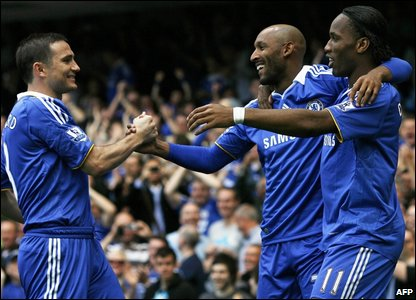 Chelsea players celebrate their win