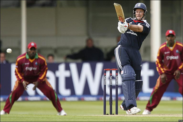 BBC SPORT   Cricket   England v West Indies photos