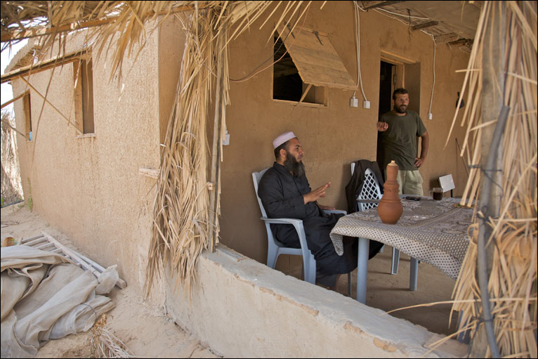 Bbc news middle east in pictures gaza 39 s new mud homes for Cost to build adobe home