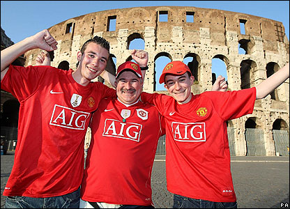 Manchester United fans in Rome