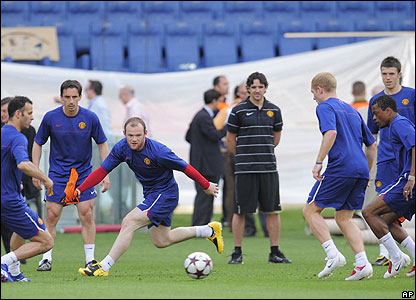 Manchester United players in training