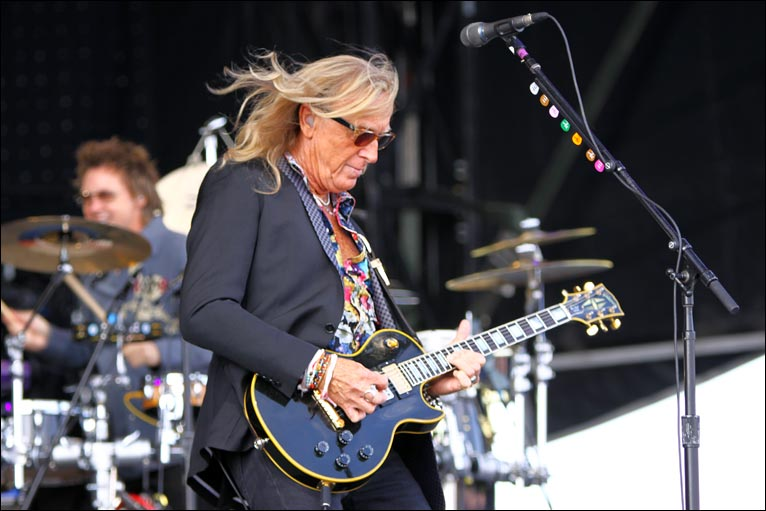 Bbc norfolk in pictures elton plays holkham for A t the salon johnstone