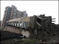 倒塌住宅樓