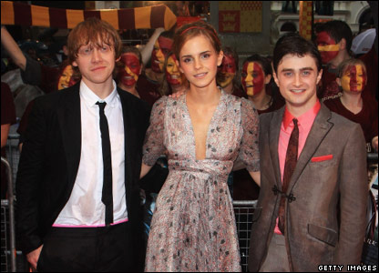 Rupert Grint, Emma Watson and Daniel Radcliffe on the red carpet at the premiere of Harry Potter and the Half-Blood Prince