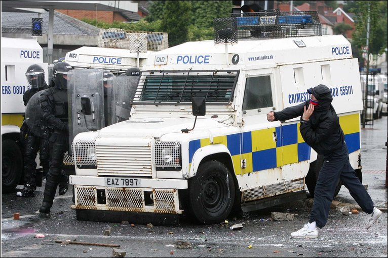 Bbc News In Pictures Belfast Trouble In Pictures