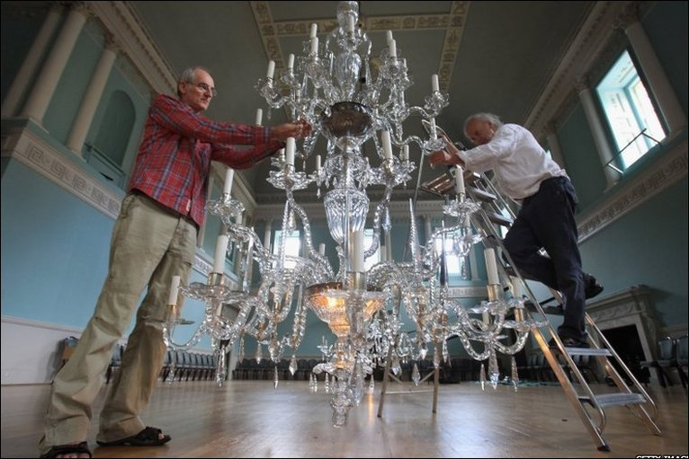Bbc bristol in pictures chandelier cleaning terry brotheridge and paul jones clean the chandeliers at baths assembly rooms mozeypictures Gallery