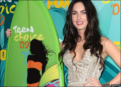 Megan Fox with her Teen Choice trophy