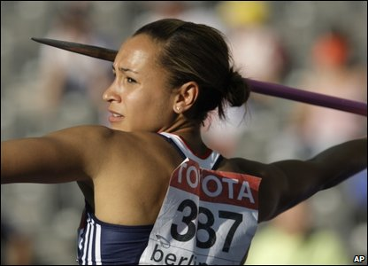 Jessica Ennis about to throw a javelin in the heptathlon