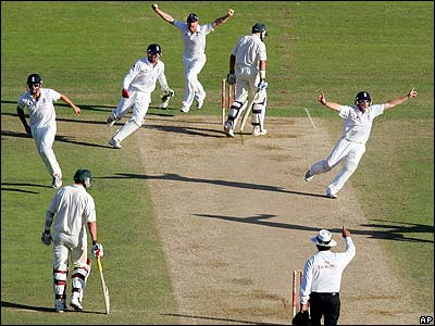 This is the moment England won the Ashes - when England's Graeme Swann took the final wicket of Australia's Michae Hussey.