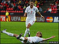 Kelly Smith celebrates her goal