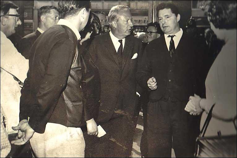 إدوارد هيث .... رئيس وزراء بريطانيا السابق _46348949_old_homer_dad766.jpg