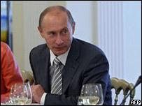 普京在莫斯科參加瓦爾戴俱樂部論壇(11/9/2009)