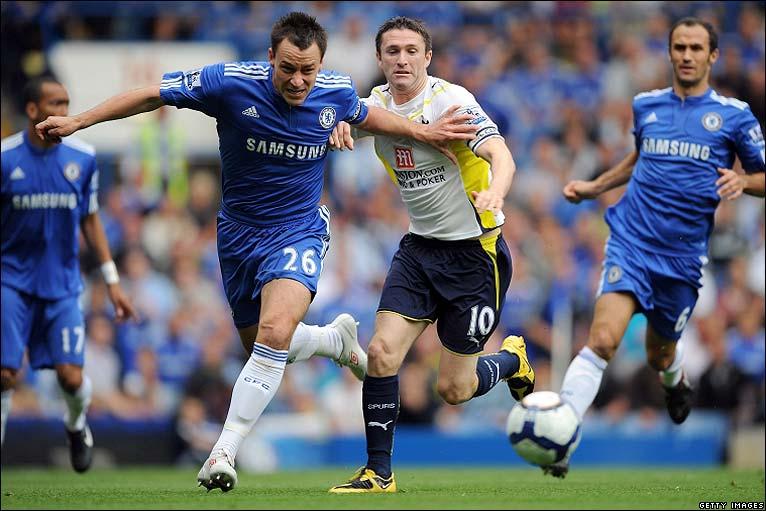 Chelsea 3 0 spurs chelsea skipper john terry tussles with robbie