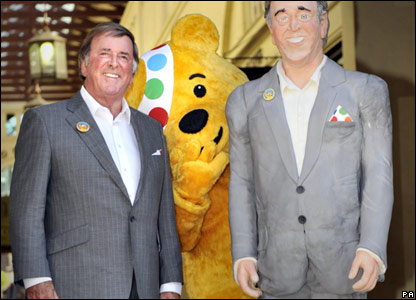 Terry Wogan and his life-size cake