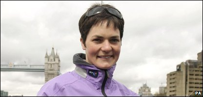 Dame Ellen MacArthur has announced her retirement from competitive sailing.