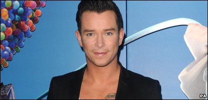 Stephen Gately at a film premiere in October 2009