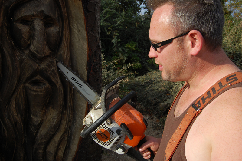 Bbc nottingham in pictures chainsaw wielding sculptor